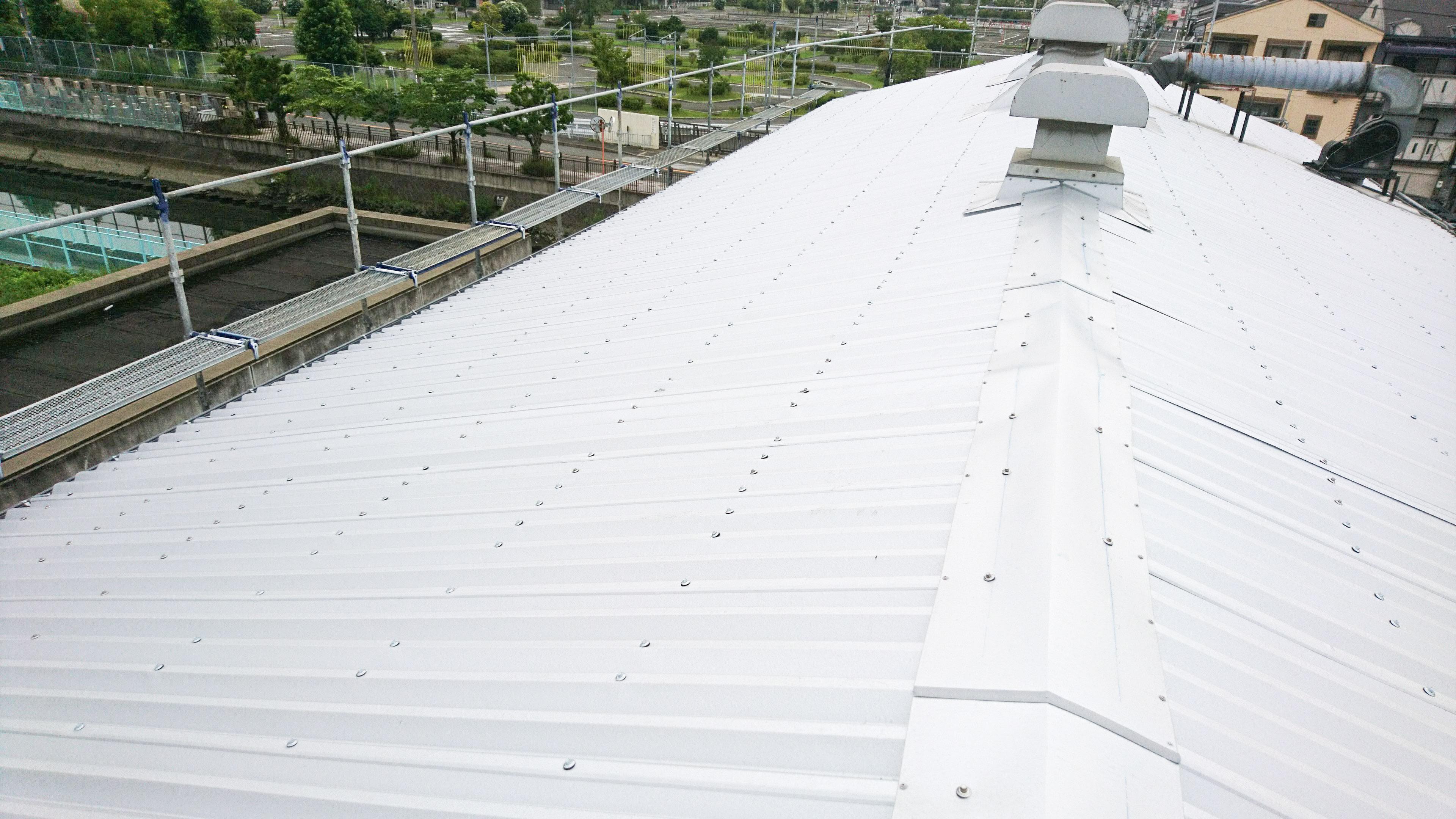 金属屋根の工事