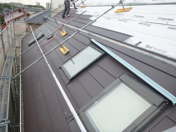金属屋根による屋根リフォーム工事